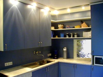 kueche blau gross. Black Bedroom Furniture Sets. Home Design Ideas